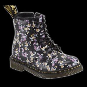 Dr Martens Brooklee Boots
